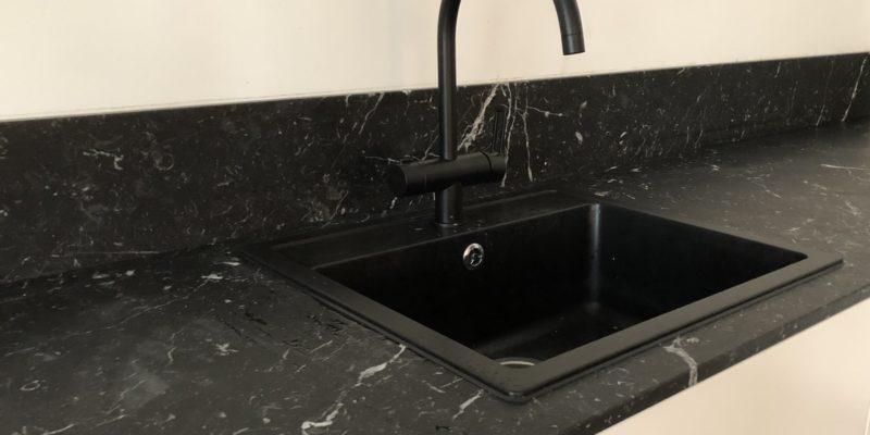 Черный мрамор – роскошная жемчужина уютного дома